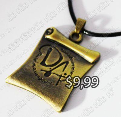 Collar Libros Harry Potter Ecuador Comprar Venden, Bonita Apariencia, practica, Hermoso material bronce Color dorado Estado nuevo
