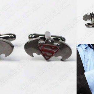 Gemelos Cómics Batman vs Superman Ecuador Comprar Venden, Bonita Apariencia perfecto para los fans de estos Cómics, practica, Hermoso material de bronce niquelado Color: plateado Estado nuevo