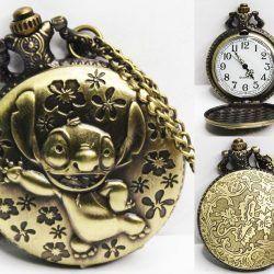 Reloj de collar Película Lilo & Stitch Dorado Ecuador Comprar Venden, Bonita Apariencia perfecta para los fans, practica, Hermoso material de bronce niquelado Color dorado Estado nuevo