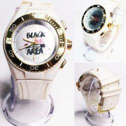 Reloj de pulsera Música Kpop Blackpink Ecuador Comprar Venden, Bonita Apariencia ideal para los fans, practica, Hermoso material de acero inoxidable Color blanco Estado nuevo