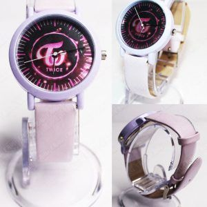 Reloj de pulsera Música Kpop Twice Ecuador Comprar Venden, Bonita Apariencia ideal para los fans, practica, Hermoso material de acero inoxidable Color rosa Estado nuevo