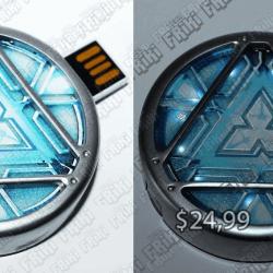 USB Cómics Ironman Ecuador Comprar Venden, Bonita Apariencia perfecto para trabajos, practica, Hermoso material de plástico Color azul y gris Estado nuevo