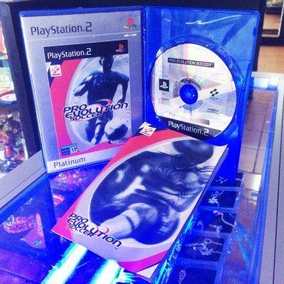 Videojuegos para consola PS2 Pro Evolution Soccer Ecuador Comprar Venden, Bonita Apariencia ideal para los fans, practica, Hermoso material de papel Color como en la imagen Estado usado